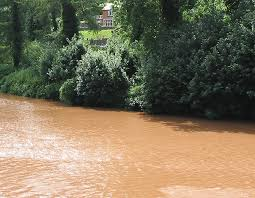 Muddy waters of the Wye © Pauline E cc-by-sa/2.0 :: Geograph ...